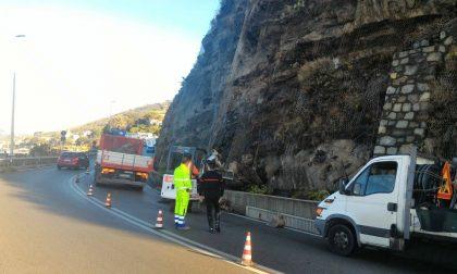 Frana a Sant'Anna, Tosi: «Sospendere il pedaggio autostradale»