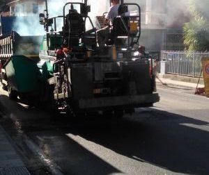 Via Repubblica chiusa dalle 13 alle 5. Torna la pulizia delle strade