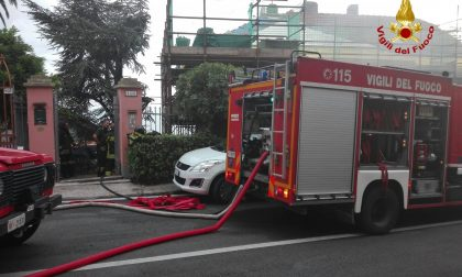Appartamento in fiamme, palazzina evacuata