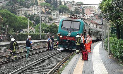 Investito da un treno, traffico ferroviario in tilt