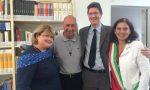 Soroptimist dona due scaffali rosa e 150 libri alla biblioteca di San Salvatore