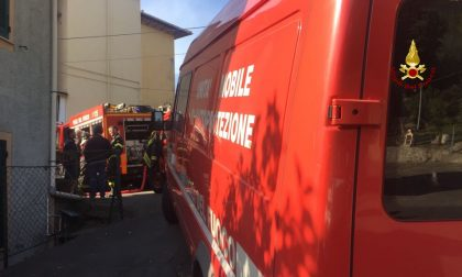 Materasso va a fuoco in camera da letto, intervengono i pompieri