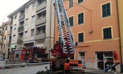 Principio di incendio in una canna fumaria, l'intervento dei Vigili del Fuoco
