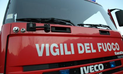 Tetto in fiamme a San Colombano