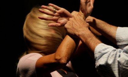Violenza donne, dalla Regione fondi per i Comuni: a Chiavari 45.560 euro