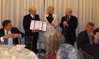 Il Premio Polis al manager Giuseppe Zampini