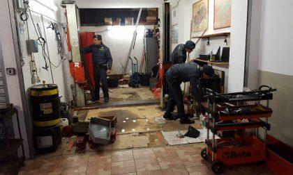 La finanza di Rapallo scopre un'officina abusiva, attrezzature sequestrate e donate al Villaggio del Ragazzo