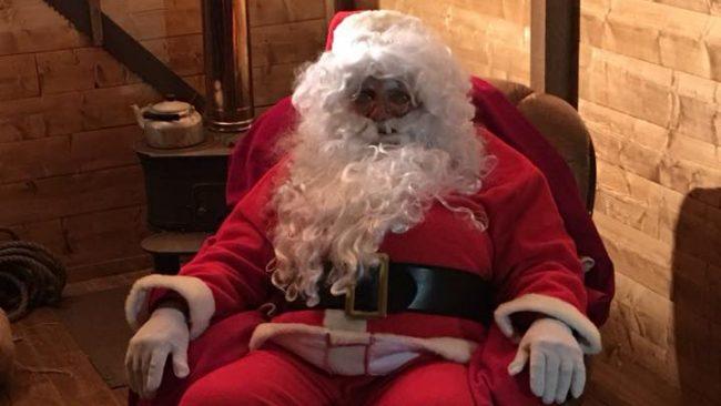Babbo Natale A Casa Dei Bambini.Ha Aperto I Battenti La Casa Di Avegno Di Babbo Natale