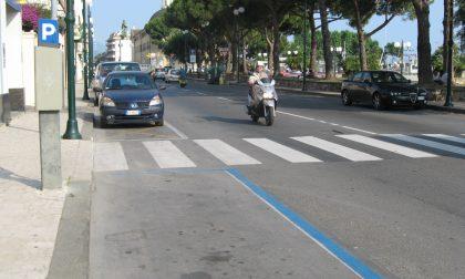 Parcheggi blu gratis alla domenica, intensificati i controlli in tutta la città