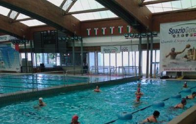 Problemi alla copertura, chiude la piscina comunale