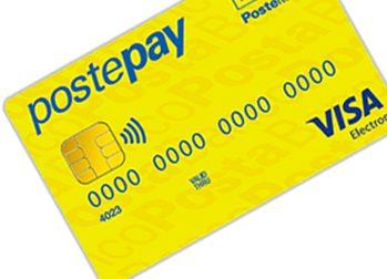 Si fa ricaricare la Postepay, poi si riprende i soldi