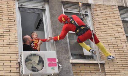 I supereroi acrobatici arrivano all'Ospedale Gaslini