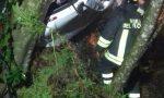 Un auto finisce fuori strada a Ne, tre feriti