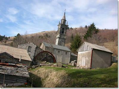 Villa Cella chiede aiuto  per il tetto della chiesa