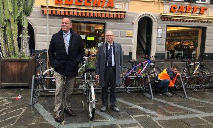 Chiavari, rastrelliere porta bici in piazza Matteotti