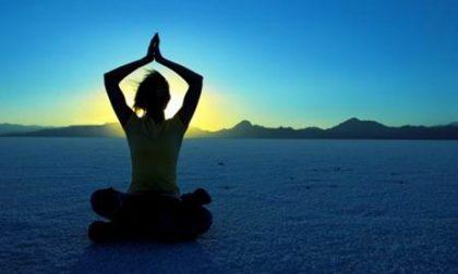 """Riva Trigoso, appuntamento con """"yoga tra sabbia, cielo e mare"""""""