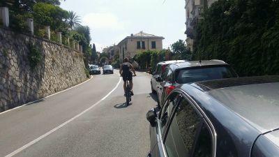 Parcheggi selvaggi sull'Aurelia: «Adesso basta»