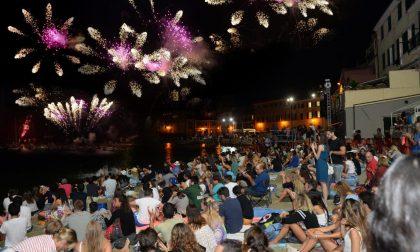 Mare, fuoco e musica a Sestri Levante: torna l'appuntamento con la Barcarolata