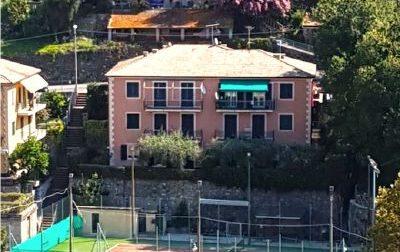 """""""Il campo da tennis aperto dall'estate"""""""