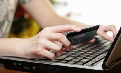 """Truffa online: attenzione a chi """"regala"""" cellulari"""