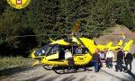 Le immagini dei soccorsi al 60enne caduto nel dirupo