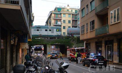 Treno deragliato a Rapallo, rimossa la cisterna