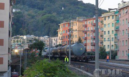Treno deragliato a Rapallo, binario unico almeno sino a domani