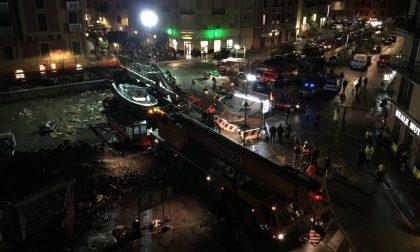 Rapallo, rimossa l'imbarcazione che ostruiva la foce del torrente San Francesco