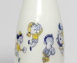 Latte Tigullio: dopo Luzzati un'altra bottiglia d'autore, firmata Enrico Macchiavello