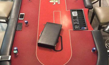Bisca clandestina e torneo di poker in un bar, undici denunciati