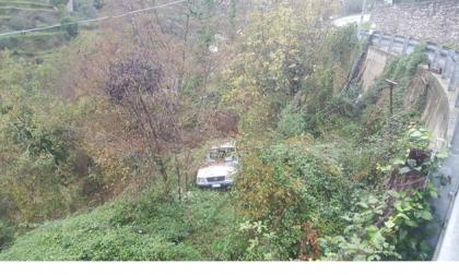 Rifiuti abbandonati nei boschi, 6mila euro di multa dalla Forestale