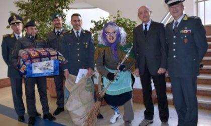 La Guardia di Finanza visita i pazienti del Gaslini