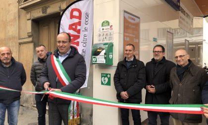 Chiavari, corso Dante: installato un defibrillatore da Conad, viene inaugurato dal sindaco Di Capua