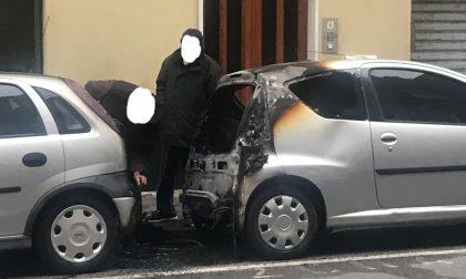 Auto a fuoco a Lavagna, le telecamere individuano l'autore