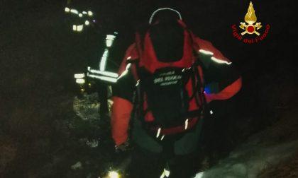 Ciclisti bloccati nella neve sul monte Aiona, soccorso in notturna dei Vigili del Fuoco