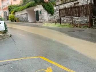 Canalizzazione delle acque, lavori in via Ugolini