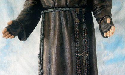 Oggi all'Oratorio di Sant'Erasmo inaugurata la statua di Padre Pio dono di Mariano Fontana