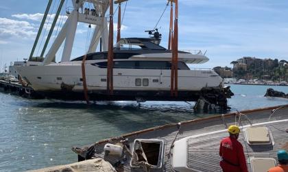 Rapallo, rimossa l'ultima imbarcazione dal lungomare