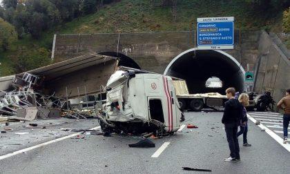 Incidente A12, domani i funerali dei due camionisti