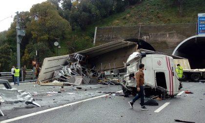 Incidente A12, sono di Albenga i due autisti deceduti