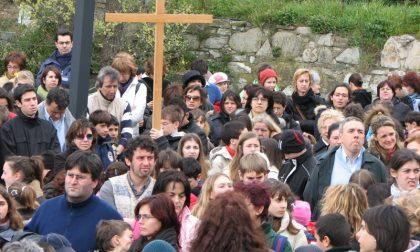 Settimana Santa, venerdì 19 la Via Crucis: al mattino quella di ACR, alla sera quella cittadina