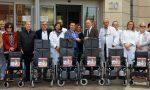 Il Cantante della Solidarietà dona 15 carrozzine all'Ospedale Gaslini