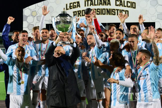 Calendario Entella.Serie B L Entella Debuttera In Casa Sabato 24 Agosto Il