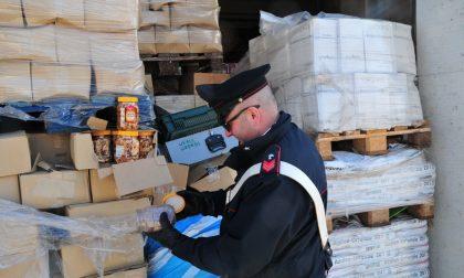 Tonnellate di generi alimentari scaduti, denunce a Lavagna