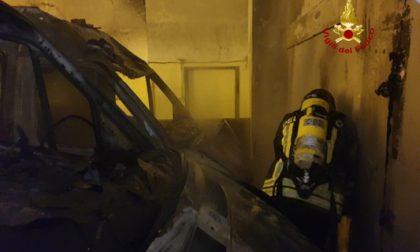 Ambulanza va a fuoco al San Martino