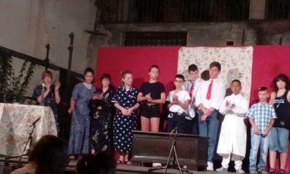 L'I.C. di Lavagna ieri in scena sotto la Torre del Borgo