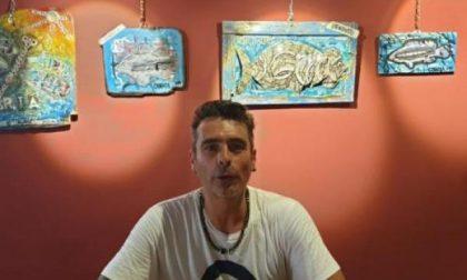 Le opere di Davide Bachi vengono dal mare, dopo la violenta mareggiata dell'ottobre 2018