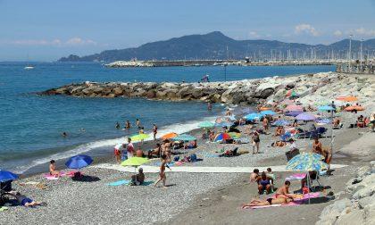 Lavagna inaugura la spiaggia accessibile ai disabili