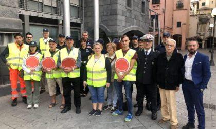 Scuole, Croce Verde Chiavarese davanti agli attraversamenti pedonali