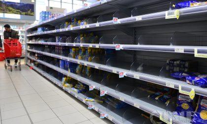 Otto persone monitorate a Rapallo: supermercati presi d'assalto